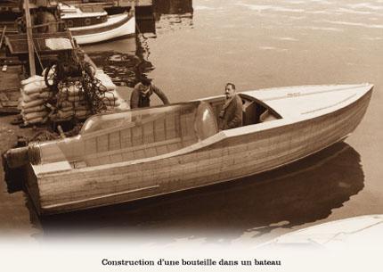 Bouteille dans un bateau